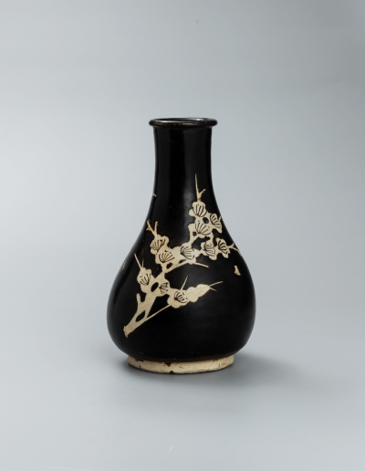 A good and rare Jizhou black-glazed vase