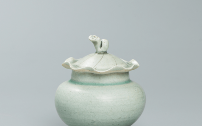 A fine and rare Qingbai globular shape covered jar