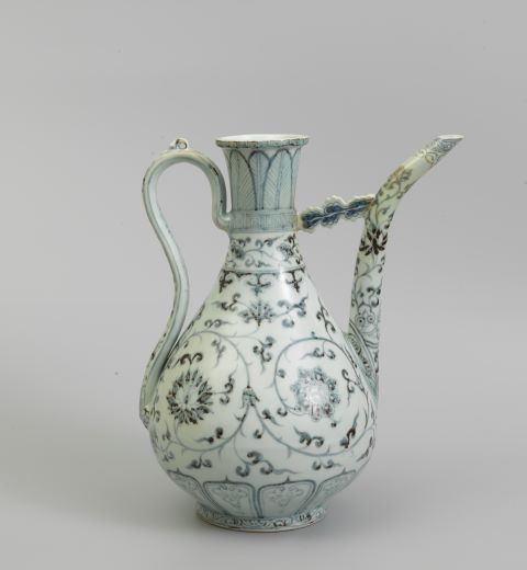An extremely good and rare blue and white ewer