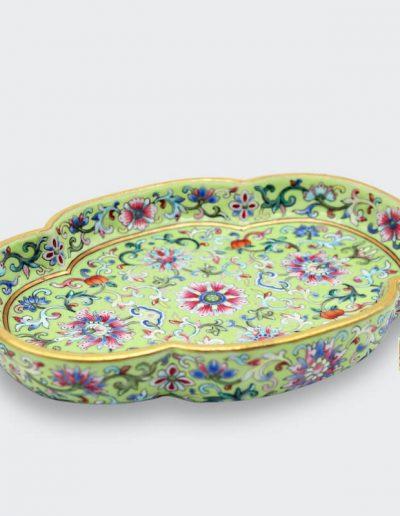 清 道光 綠地粉彩 海棠樣茶盤