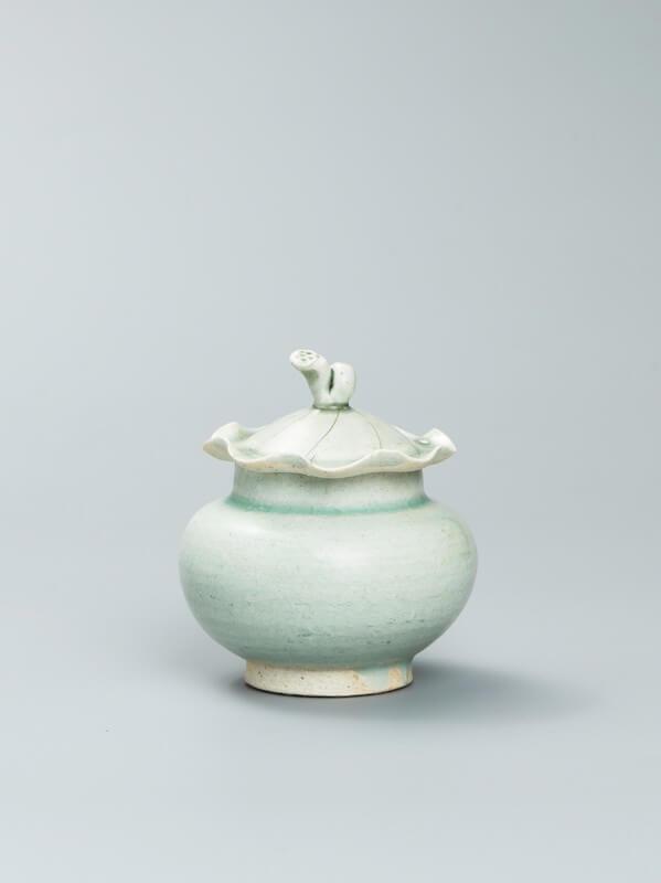 A fine and rare Qingbai globular shape covered jar
